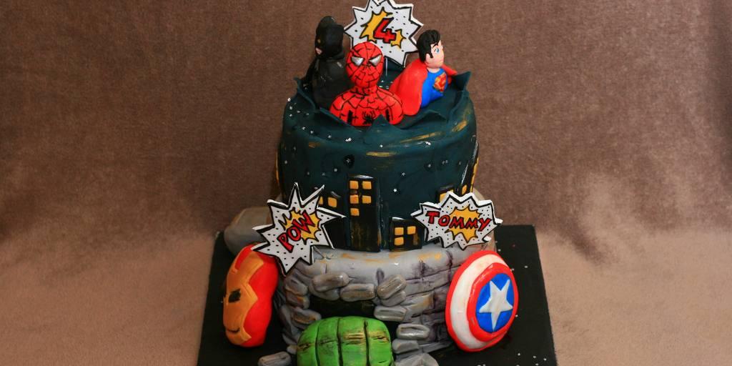 Disgruntled Mom Dropkicks Crappy Batman V Superman Cake